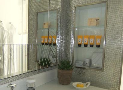 MilanoHotelBathroom.jpg